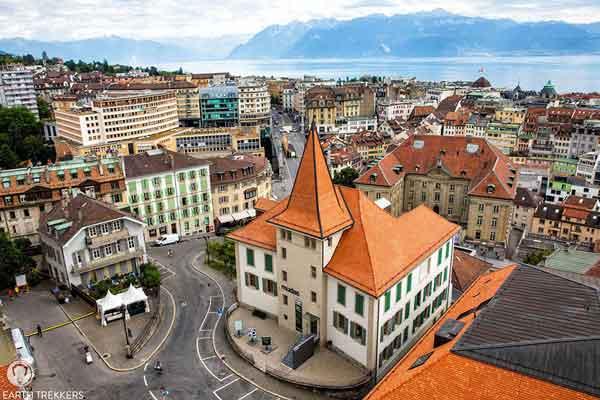 شهر لوزان پس از شهر ژنو، دومین شهر بزرگ کرانه دریاچه ژنو است.