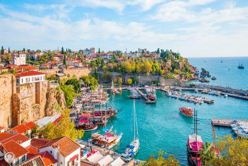 آنتالیا یکی از شهرهای پر جاذبه و خوش آب و هوا ی ترکیه است