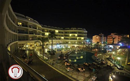 هتل پینتا پارک دلوکس